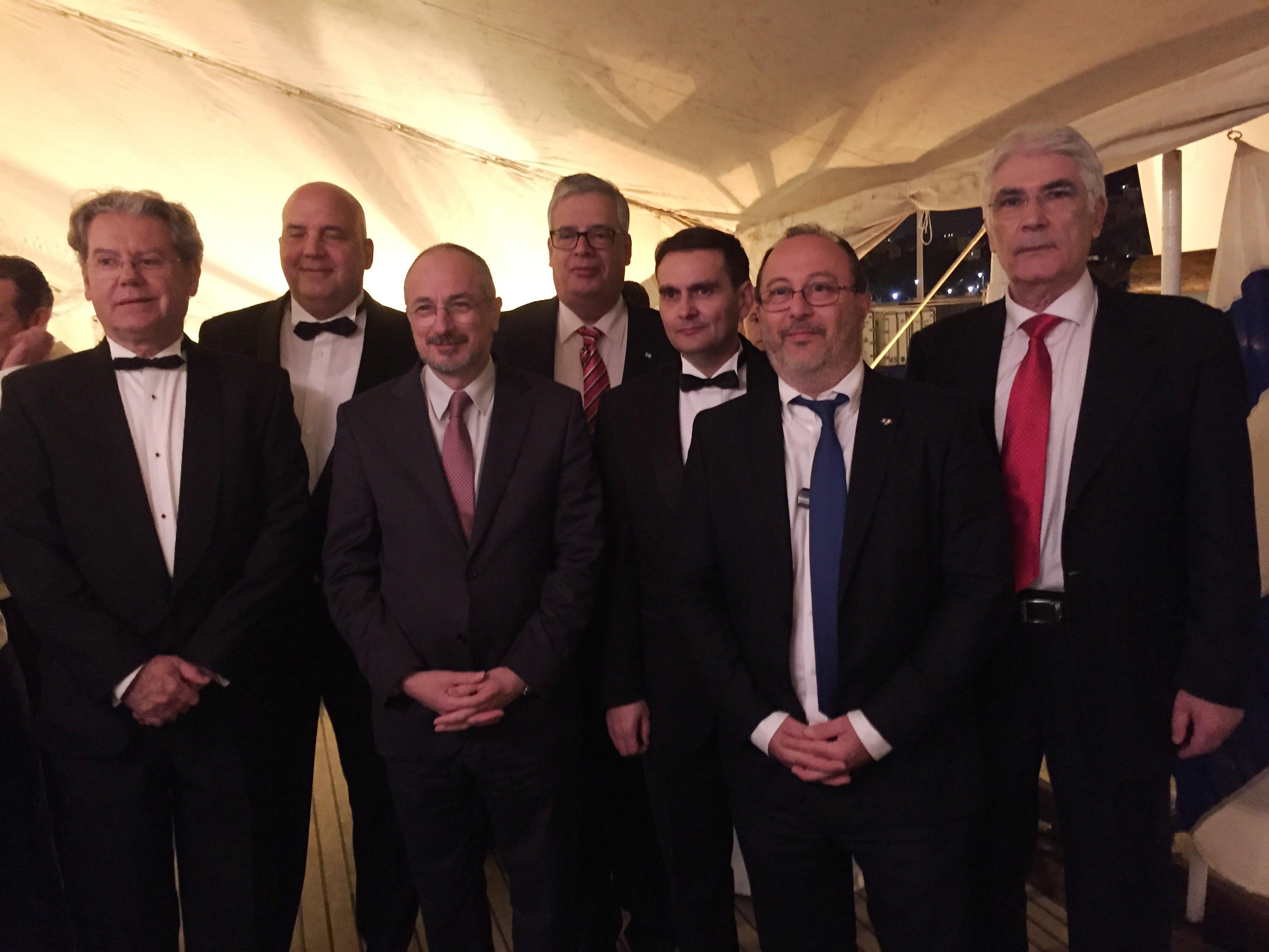 Embajador de Israel en España y los cónsules de Portugal, Alemania, Finlandia, Honduras, Italia y Rusia