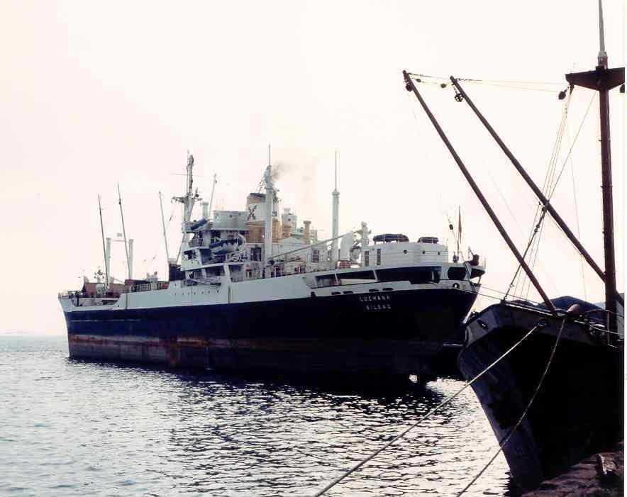 """El buque """"Luchana"""", visto por la aleta de babor"""
