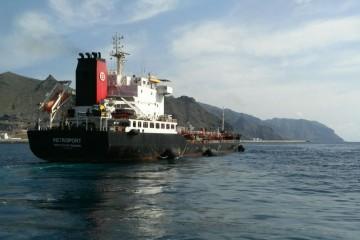 """El petrolero """"Petroport"""", en funciones de """"bunker ship"""""""