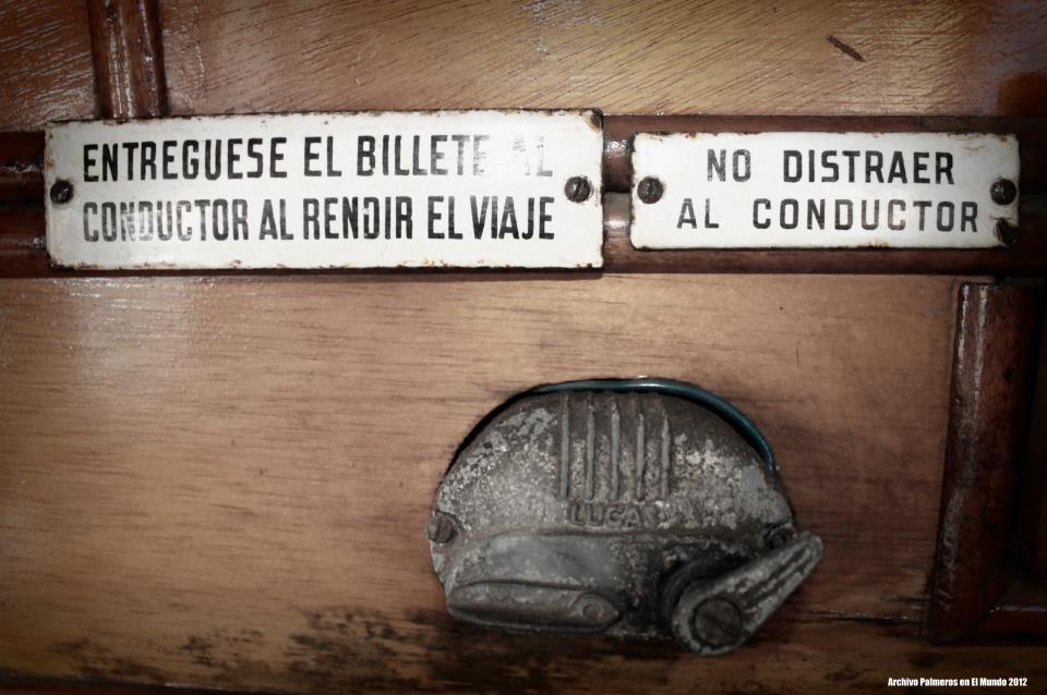 Otros letreros de información a los pasajeros, de dudoso cumplimiento