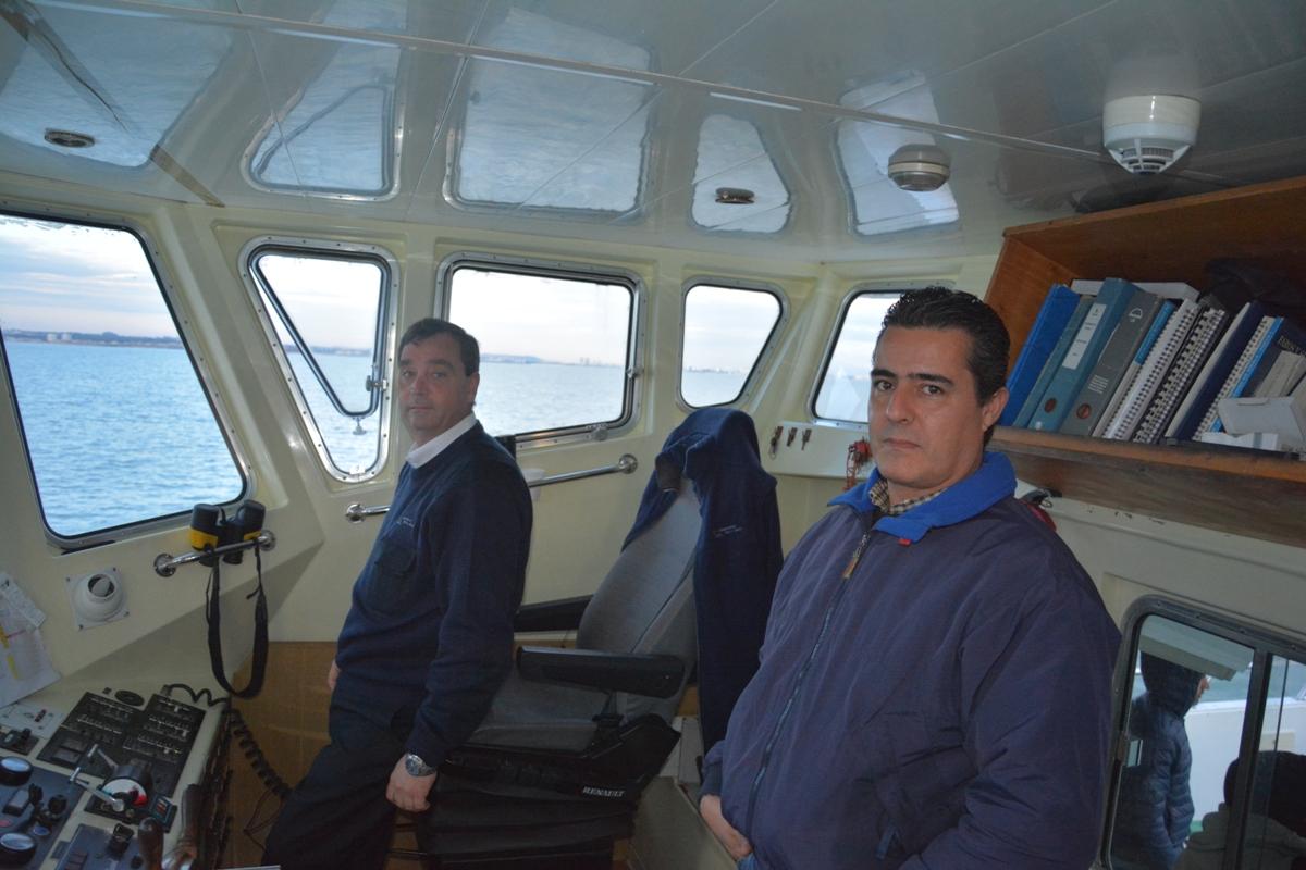 El capitán Eduardo Bianchi y el técnico naval José Luis Fernández