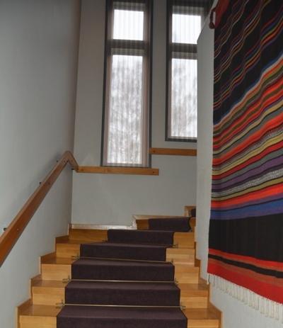 Escalera de acceso al segundo piso de Tamminiemi