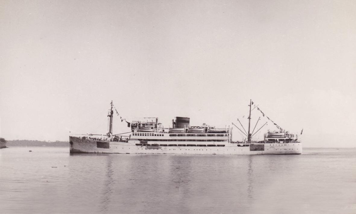 """El buque """"Dómine"""", en  aguas de Guinea durante la Segunda Guerra Mundial"""