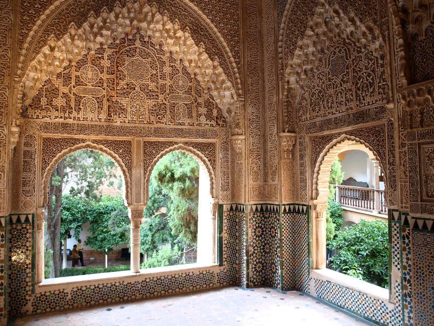 Mirador de Lin-dar-Aixa. Singular riqueza decorativa