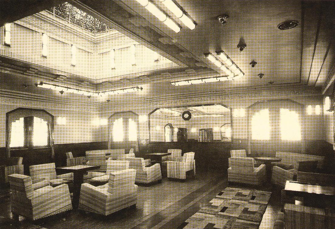 El mobiliario del salón de primera clase era de madera de caoba