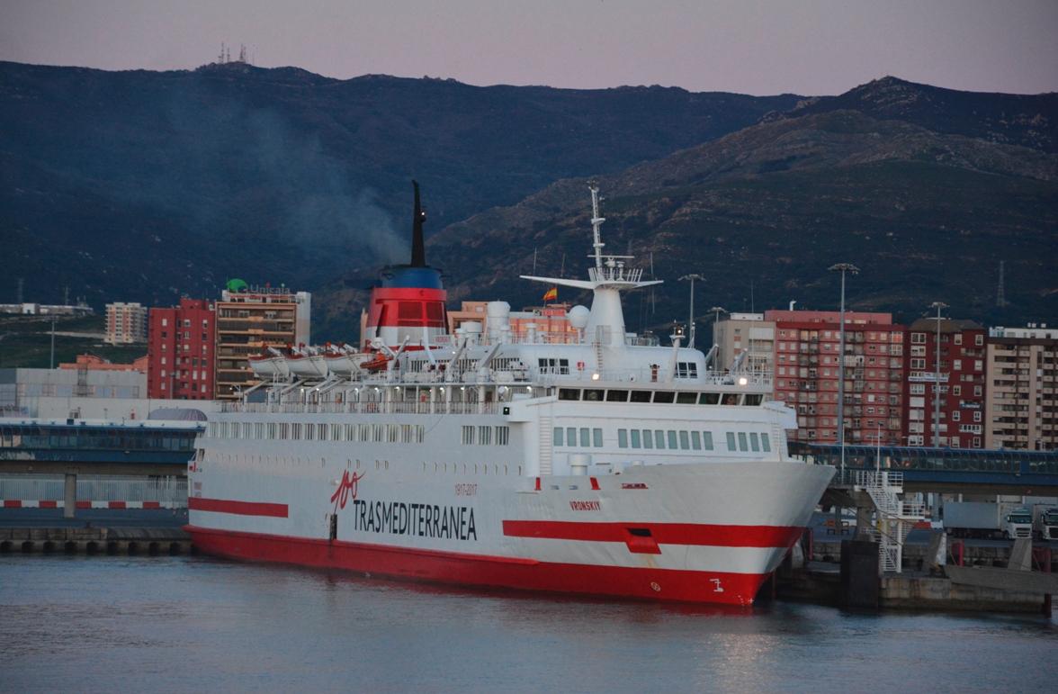 """El buque """"Vronskiy"""", atracado en el puerto de Algeciras"""