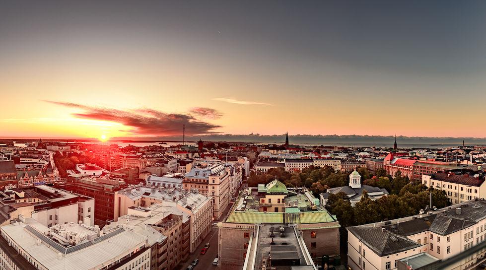 Panorámica de Helsinki desde el piso 14 del hotel Torni