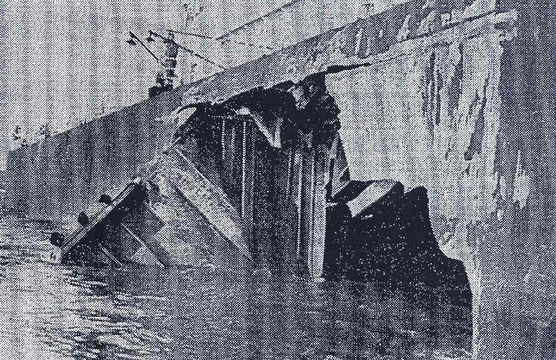Aspecto del boquete en el casco (del libro: Costa de la Muerte. Historia y anecdotario de sus naufragios, de José Baña Heim).