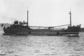 """El buque """"Andrés Rial"""", en sus pruebas de mar (28 de junio de 1947)"""