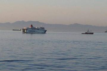 """El ferry """"Mistral Express"""", a su salida esta mañana de Nador"""