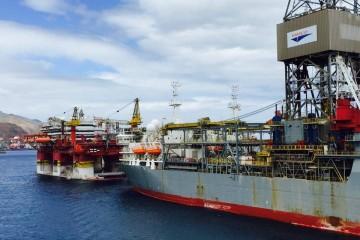 Tres alumnos de Náutica han embarcado en dos buques perforadores