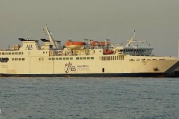 """El ferry jordano """"Aylah"""" se encuentra amarrado en Algeciras"""