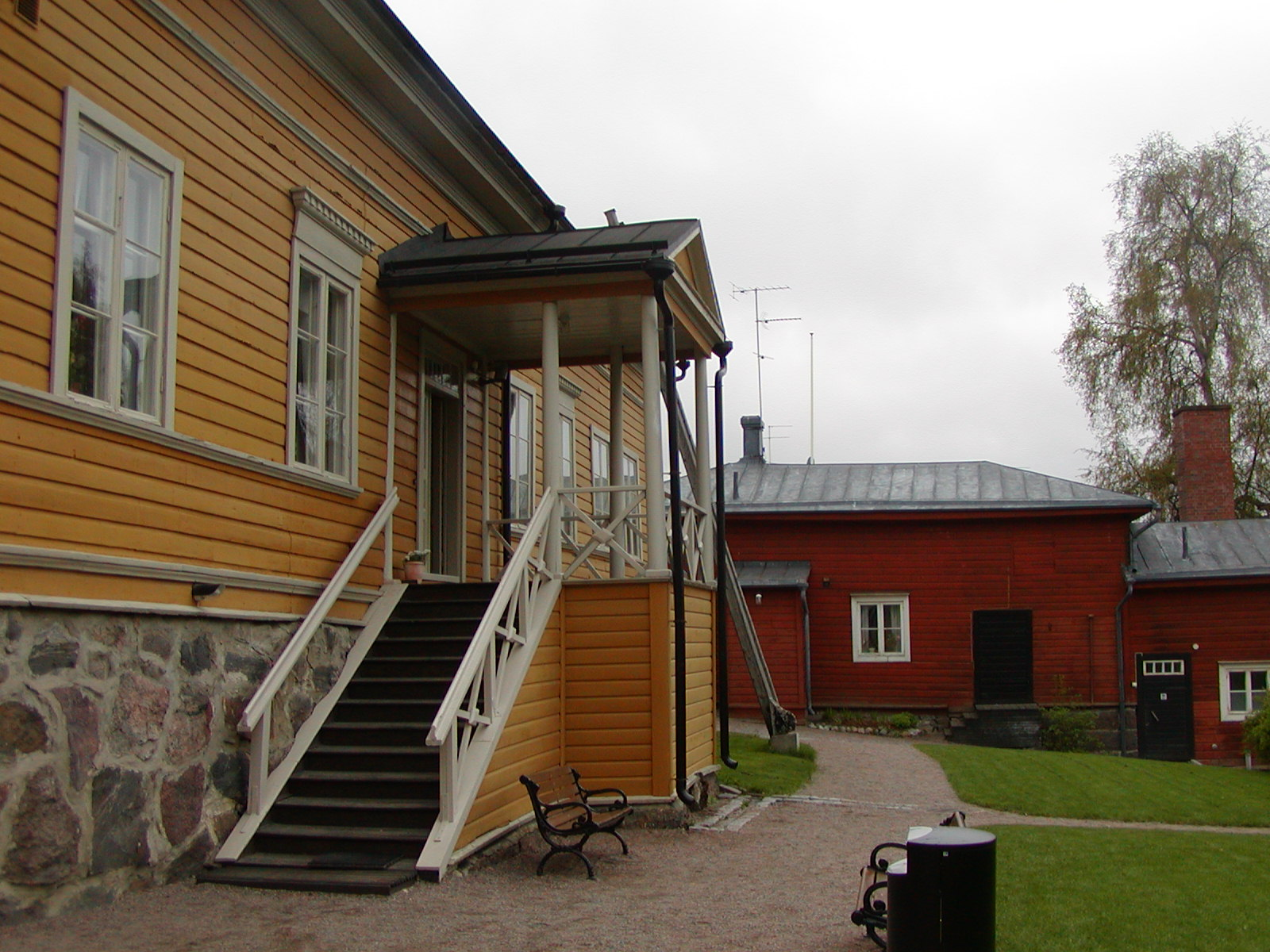 Acceso a la casa museo del poeta Johan Ludvid Runeberg