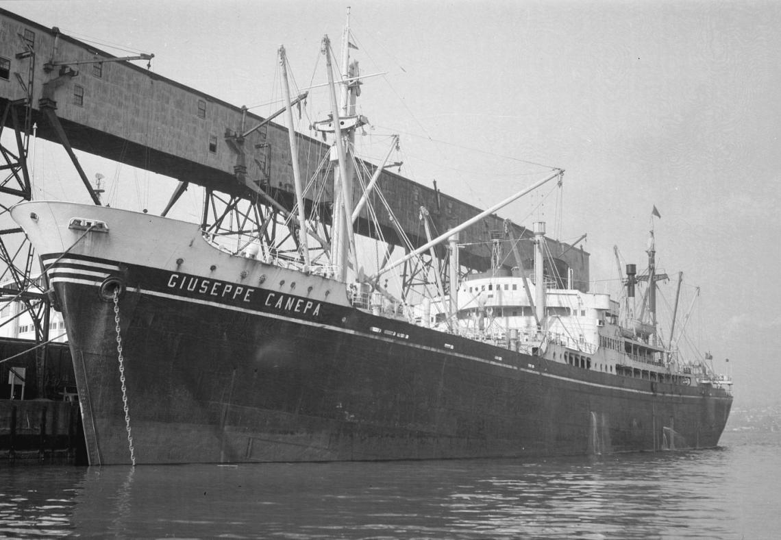 """Rebautizado """"Giuseppe Canepa"""", en su etapa como carguero de línea"""