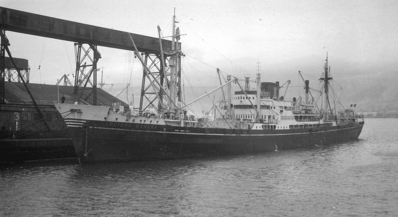 """El buque """"Luciano Manara"""", transformado en carguero de línea"""