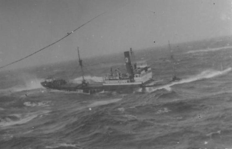 """El buque """"Avior"""", cuando su pérdida era inevitable"""