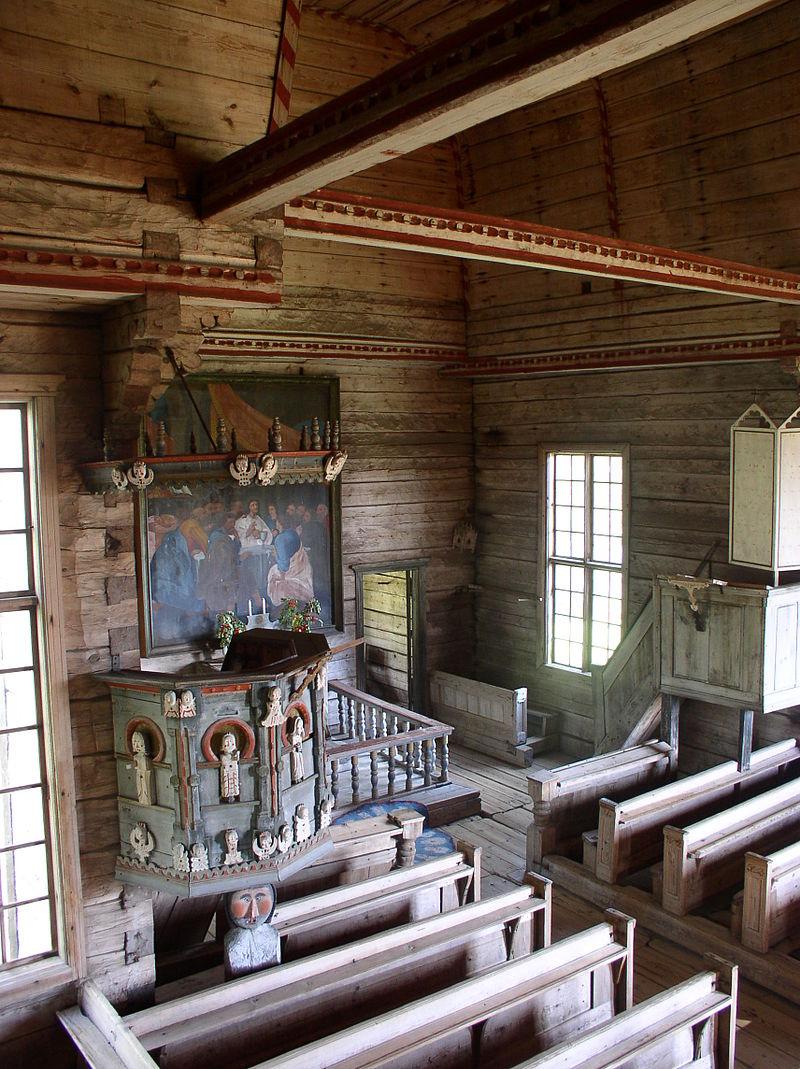 Iglesia vieja de Petäjävesi. Púlpito