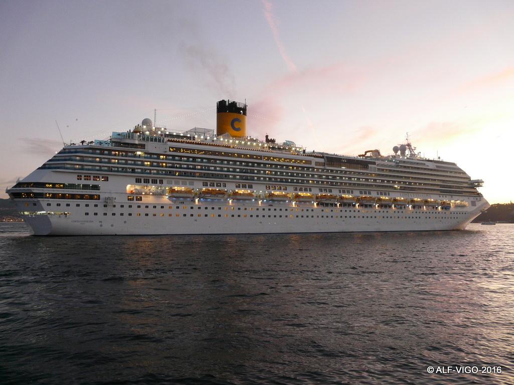 """Es un buque de la misma serie del tristemente célebre """"Costa Concordia"""""""
