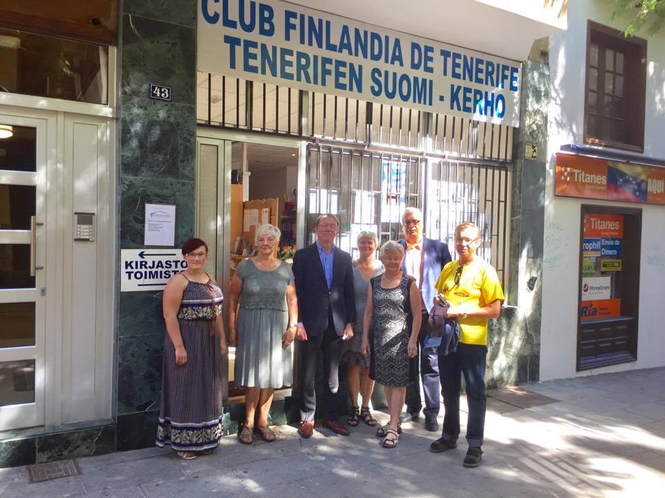 Con la junta directiva del Club Finlandia en Tenerife