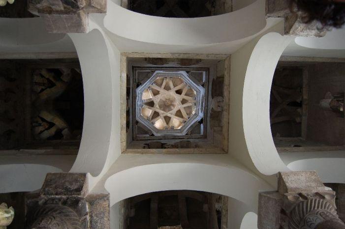 Arcos y bóvedas de las naves