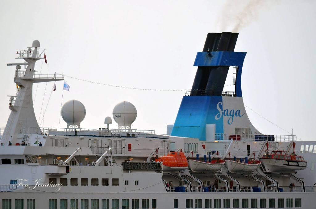 """Detalle de la chimenea del buque """"Saga Pearl 2"""""""