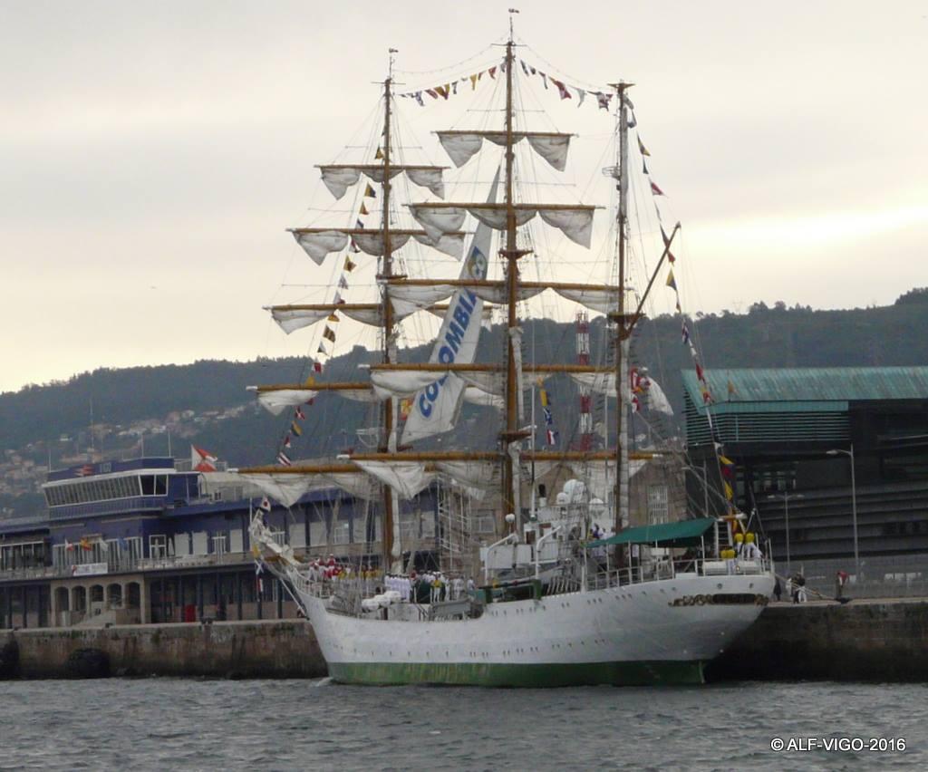El buque-escuela colombiano, atracado en el puerto de Vigo