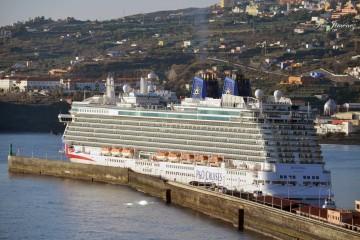 """El buque """"Britannia"""" amaneció hoy en Santa Cruz de La Palma"""