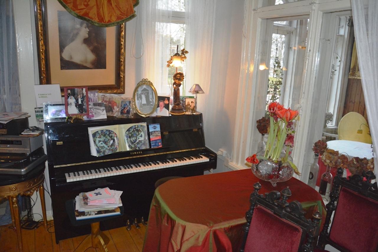 El piano es un claro referente del gusto por la música existente en el país