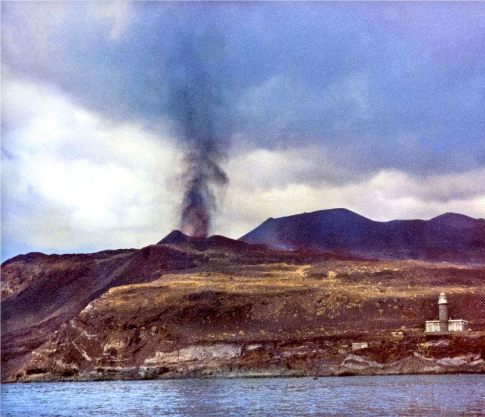 El faro de Fuencaliente sobrevivió a la erupción