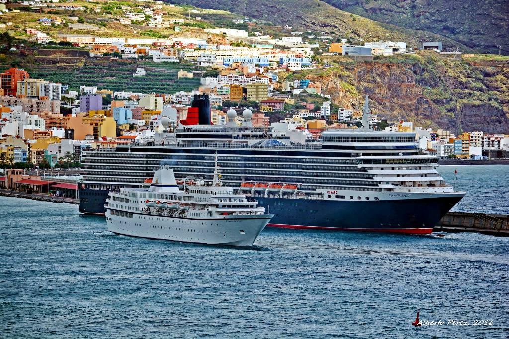 """Los buques """"Queen Elizabeth"""" y """"Aegean Oddysey"""" coinciden hoy en el puerto palmero"""