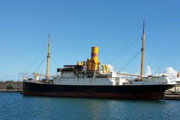 """El centenario buque """"La Palma"""" ocupa dede hoy nuevo atraque en el puerto tinerfeño"""