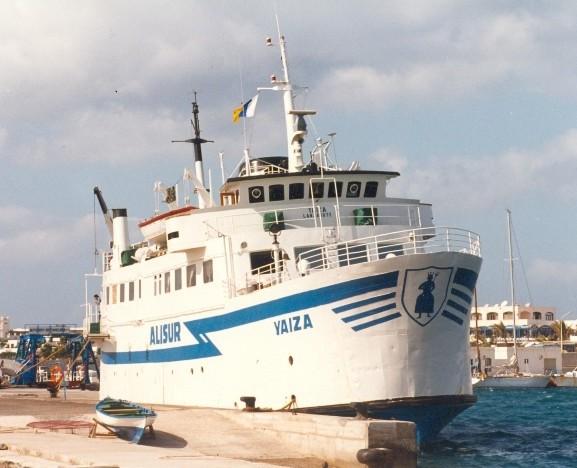 En su etapa con Alisur, atracado en Playa Blanca (Lanzarote)