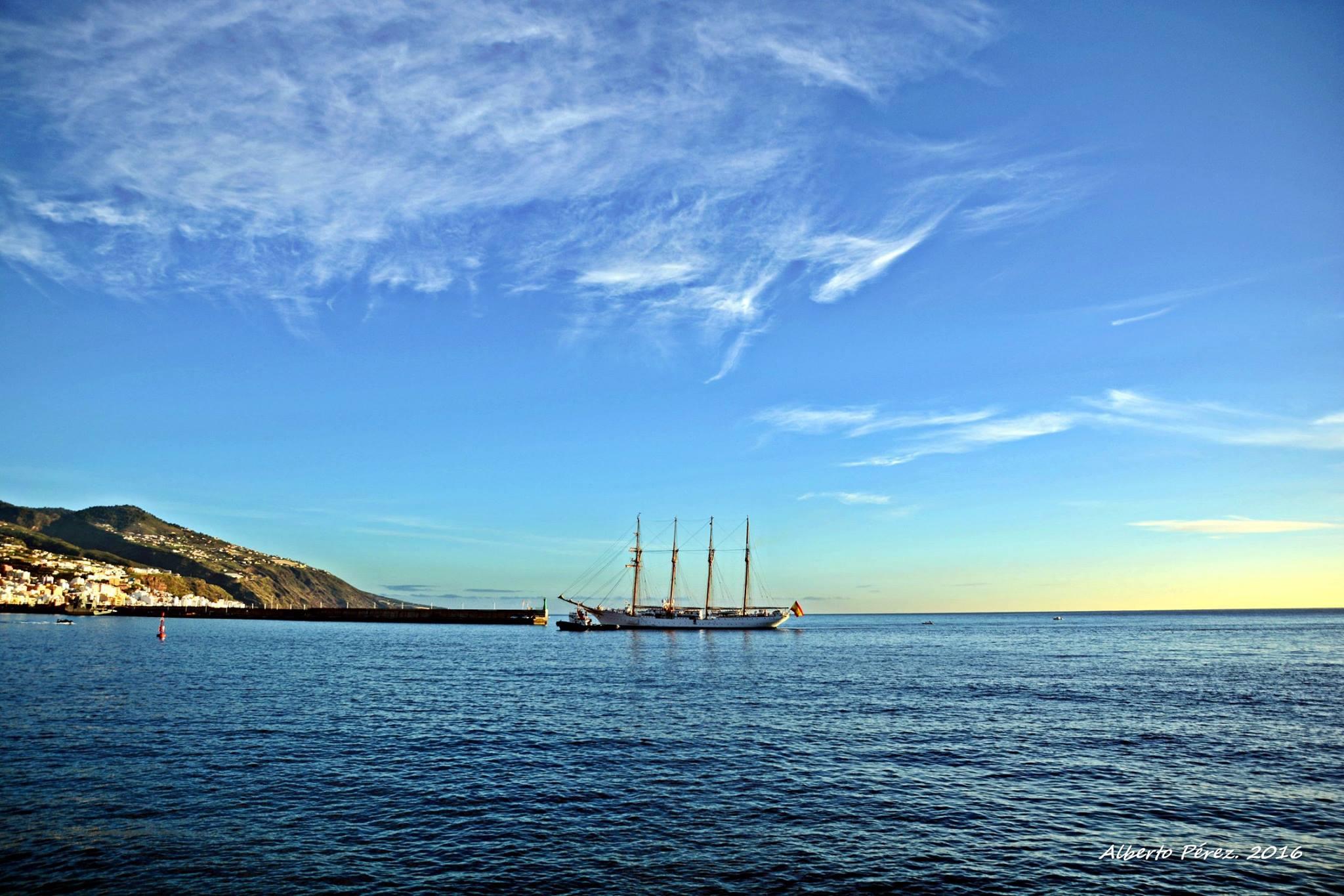 """Es la sexta escala del buque-escuela """"Juan Sebastián de Elcano"""" en el puerto de Santa Cruz de La Palma"""