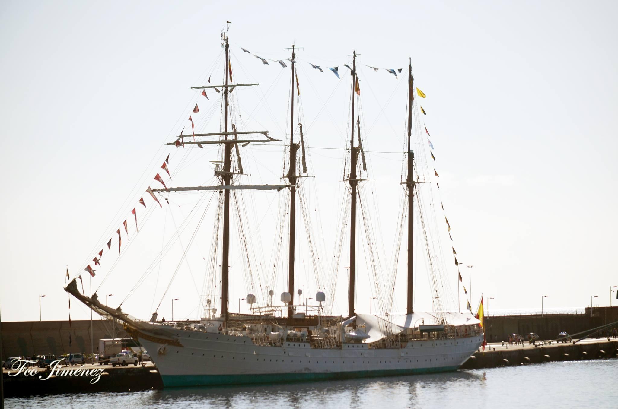 El buque-escuela de la Armada española permanecerá hasta el próximo viernes