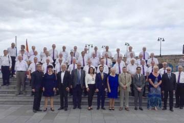 Foto de familia del acto celebrado en la Plaza de Europa de El Puerto de la Cruz