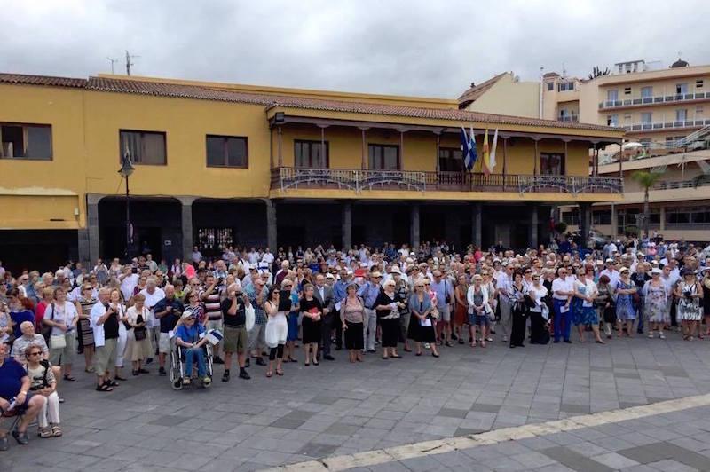Más de medio millar de finlandeses asistieron al acto celebrado en la Plaza de Europa