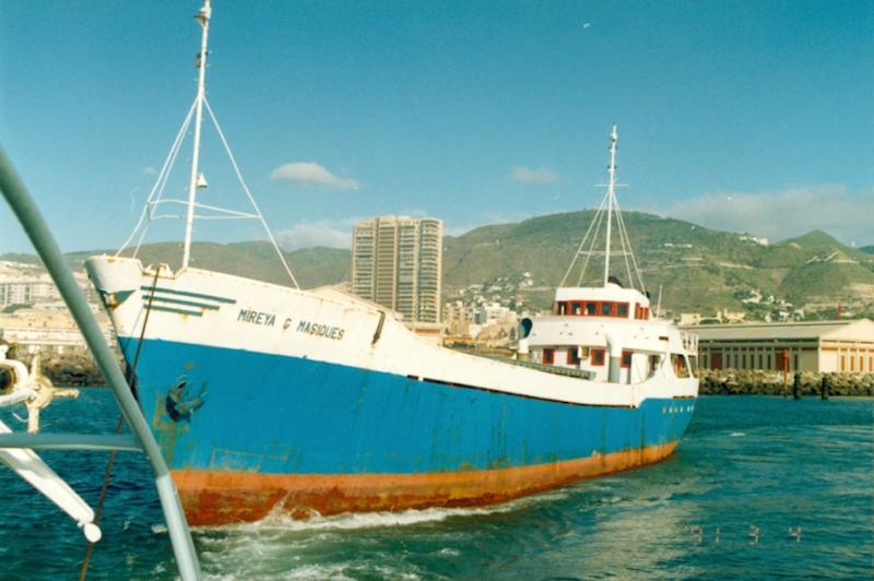 """El buque """"Mireya G. Masiques"""" zarpa del puerto tinerfeño por última vez"""