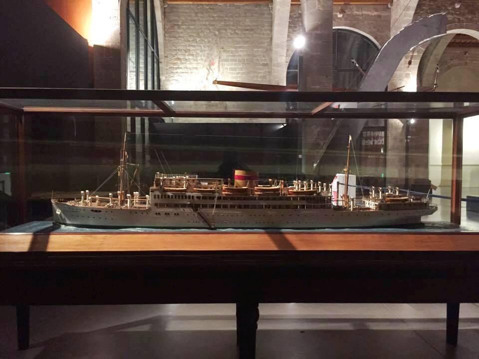 """Maqueta del buque """"Villa de Madrid"""""""