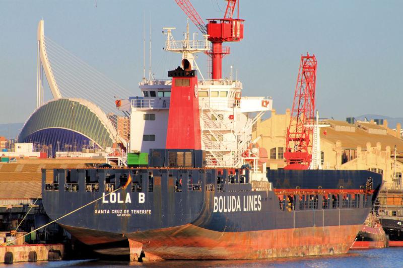 """Con el nombre de """"Lola B"""", amarrado en el puerto de Valencia"""
