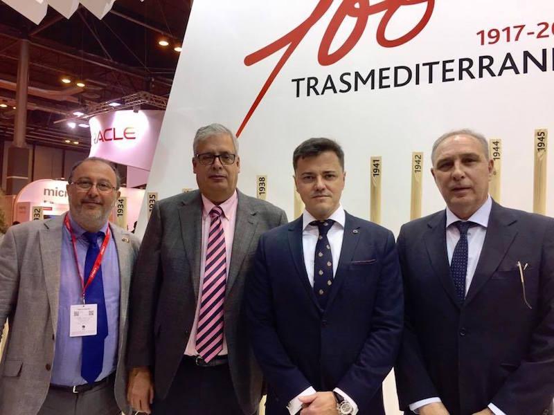 De izq. a dcha: Silvio Pelizzolo, cónsul de Italia en Tenerife; Juan Carlos Díaz Lorenzo, Mario Quero Gil y el capitán Juan Miguel Pérez González