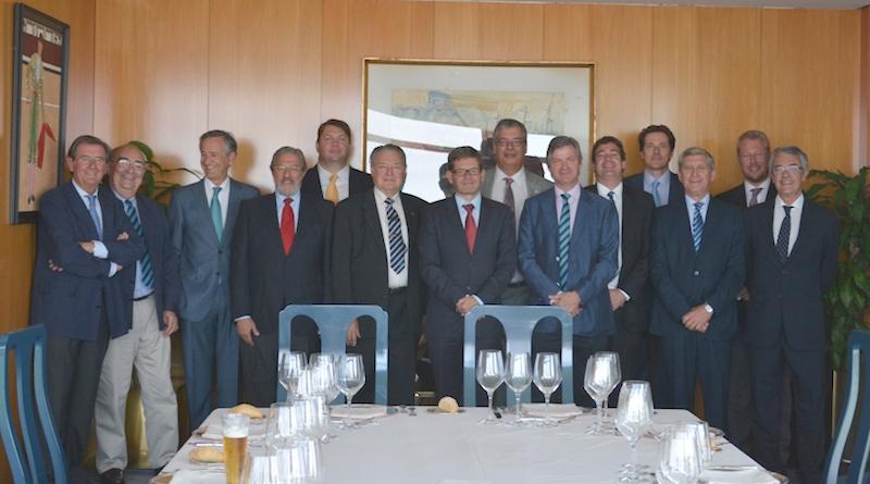 Con el grupo de cónsules honorarios de Finlandia en España, el día de su despedida en Madrid, así como Pekka Tolonen y Kristofer Mannes, presidente de la Cámara de Comercio Hispano-Finlandesa