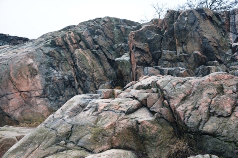 La roca granítica es una característica básica del suelo finlandés
