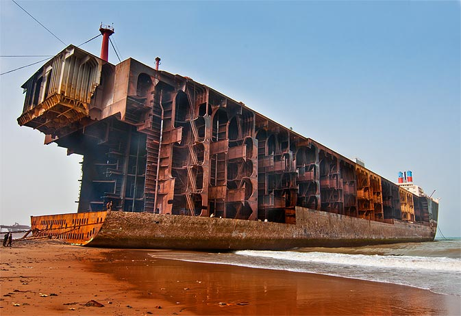 El desguace del buque se realizó en Bangla Desh