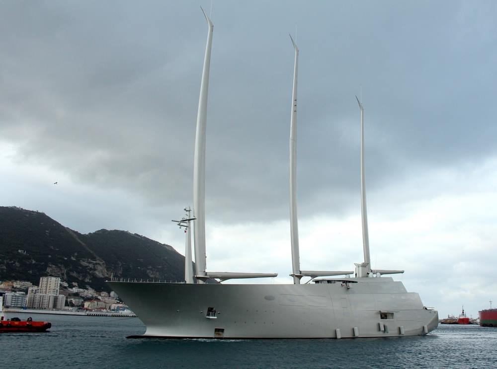 El singular buque ha llegado hoy al puerto de Gibraltar