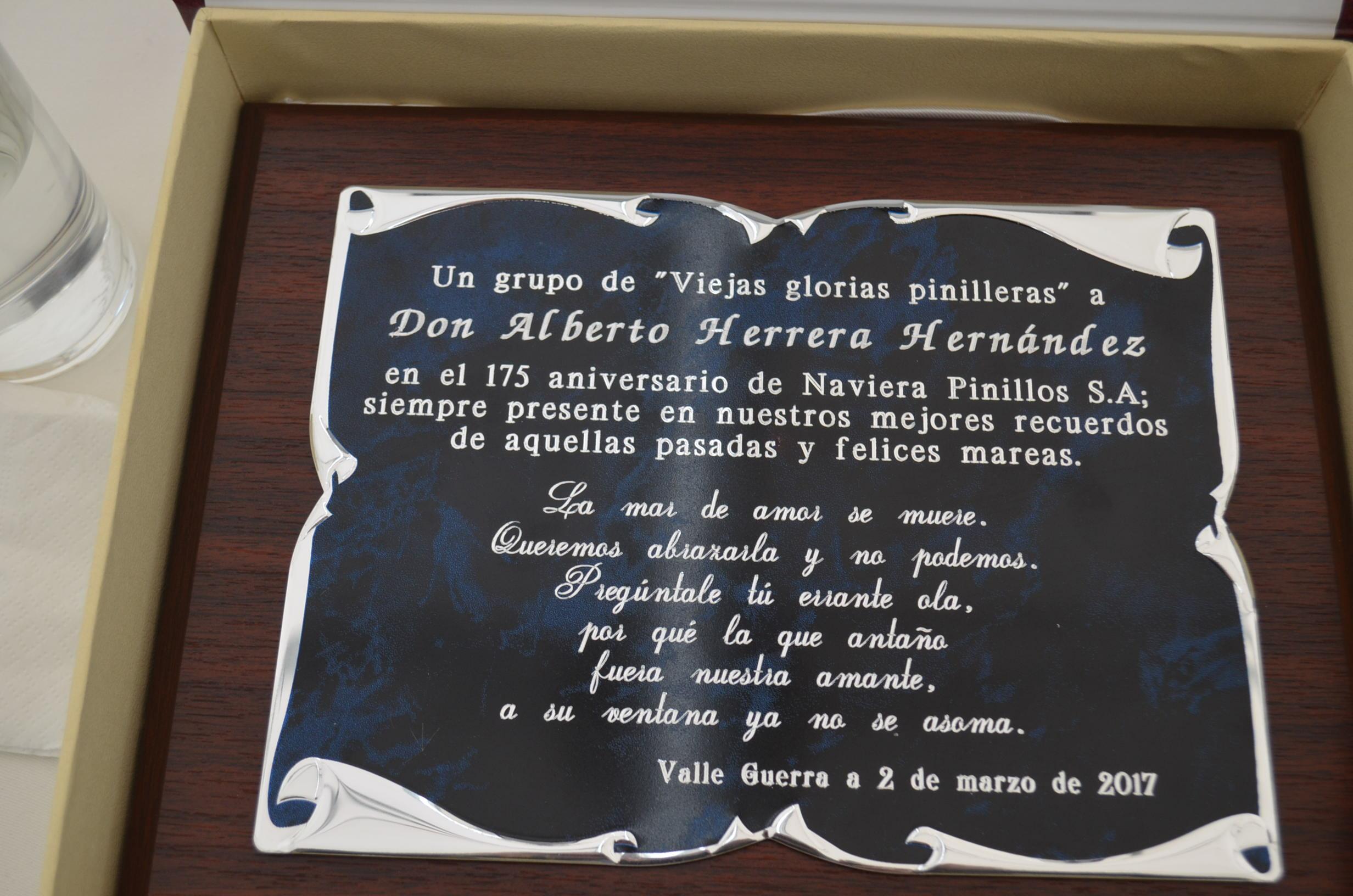 Texto de la placa entregada ayer a Alberto J. Herrera Hernández
