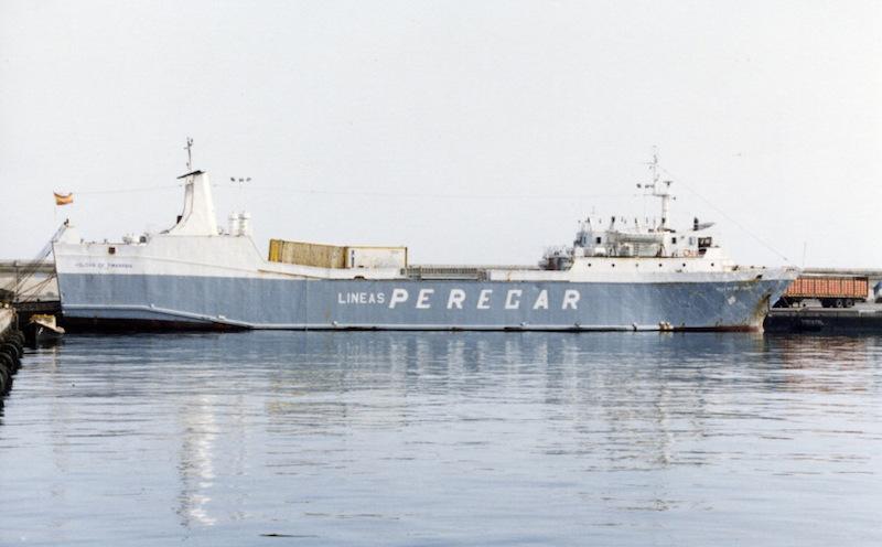 """El buque """"Volcán de Timanfaya"""", en el tiempo en que estuvo fletado por Lineas Peregar"""