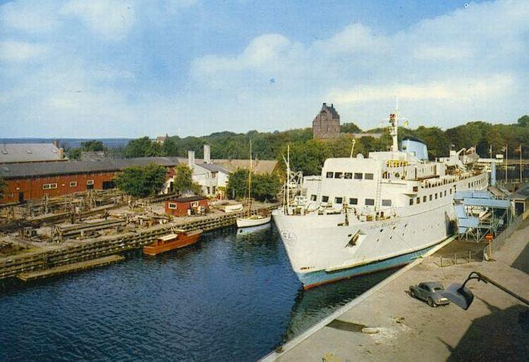 """El buque """"Linda Scarlett"""", atracado en el puerto de Landskrona"""