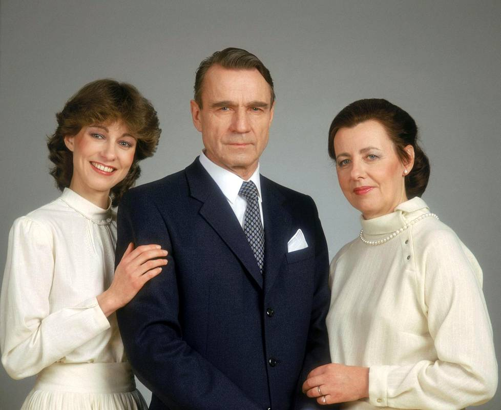 Con su esposa y su hija, en una imagen de febrero de 1982