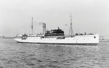 """El buque """"Ciudad de Melilla"""", en sus últimos años de mar"""