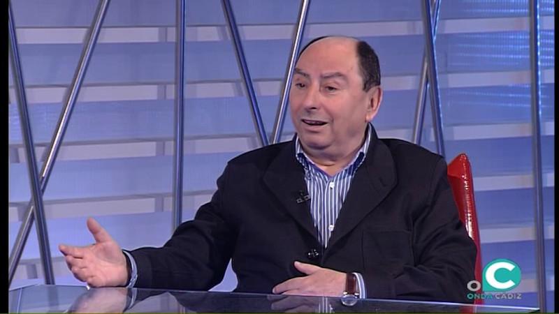 El abogado y escritor Julio Molina Font, en un programa de televisión